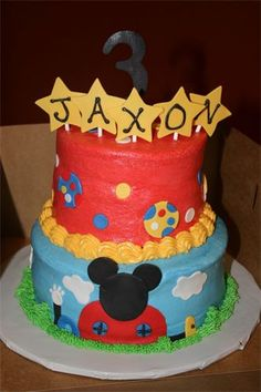 Mickey Mouse Cake...  Bottom layer for smasher cake