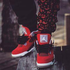 #nike #Jordan #sneakerhead #Sneakers #Air #nicekicks #AJ4 #Beastofsneakers #sneakerlook #solelysneakers #sneakerwatch #jordanbrand #nikebasketball #nikeair #jumpman23 #jordan4 #kicksonfeet #kickscollection #sneakersfile