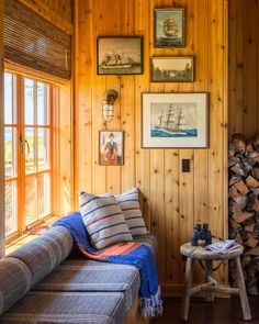 Embrace knotty pine for its warmth and character. - Embrace knotty pine for its warmth and character. You are in the right place about living room decor - Pine Bedroom, Home, Costal Cottage Living Room, Rustic House, Pine Wood Walls, Cottage Decor, Cottage Living Rooms, Cabin Living, Knotty Pine Decor