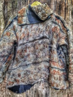 Silk, botanical print, Merino www.fieltrounico.com.ar Textiles, John Muir, Nuno Felting, Botanical Prints, Shibori, Fabric Design, Fashion Forward, Fur Coat, Creations