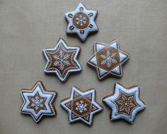 Dekoratívne medovníky - Fotoalbum - Vianočné Gingerbread Decorations, Christmas Gingerbread House, Gingerbread Cookies, Ginger Cookies, Sugar Cookies, Christmas Biscuits, Food Fantasy, Xmas Cookies, Christmas Cooking