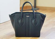 Vegan Fashion: Simple & Elegant Vegan Handbag by Alexandra K