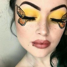 butterfly makeup - 40 Best Makeup Tips to Look Cute Any Event Cool Makeup Looks, Creative Makeup Looks, Halloween Makeup Looks, Crazy Makeup, Cute Makeup, Gorgeous Makeup, Halloween Tips, Makeup Set, Makeup Storage