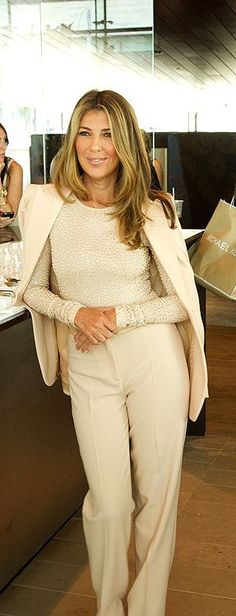 nina garcia looks chic in head-to-toe cream Style Work, Mode Style, Her Style, Looks Street Style, Looks Style, Fashion Mode, Work Fashion, Style Fashion, Elegante Y Chic