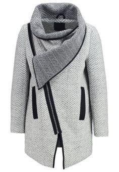 Dein perfekter Begleiter für kalte Tage. Minimum ATALIE - Wollmantel / klassischer Mantel - light grey für SFr. 210.00 (07.09.15) versandkostenfrei bei Zalando.ch bestellen.