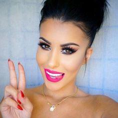 Image via We Heart It https://weheartit.com/entry/165148242 #beauty #brunette #face #makeup #selfie