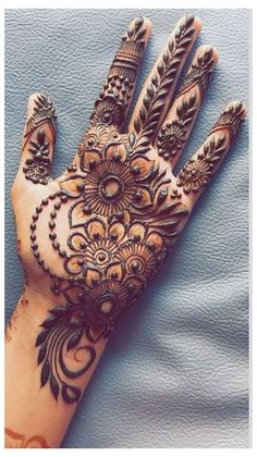 Mehndi Designs Finger, Palm Mehndi Design, Floral Henna Designs, Latest Bridal Mehndi Designs, Mehndi Designs Book, Simple Arabic Mehndi Designs, Mehndi Designs For Girls, Modern Mehndi Designs, Mehndi Design Photos