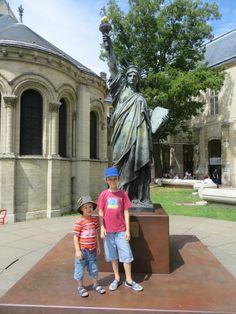 Le Club Voyage autour du monde nous a entraînés aux Etats-Unis. Il existe plusieurs lieux où trouver une réplique de la fameuse Statue de la Liberté.