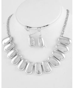 444414 Silver Tone Necklace & Fish Hook Earring Set
