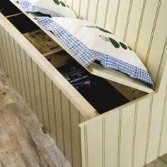 Kitchen with space-saving bench Kitchen Storage Bench, Kitchen Benches, Bench With Storage, Kitchen Redo, Kitchen Design, Kitchen Ideas, Hidden Storage, Banquette Dining, Dining Nook