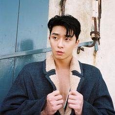 Park Seo Joon - Arena Homme Plus Magazine November Issue Korean Male Actors, Korean Celebrities, Asian Actors, Celebs, Hot Korean Guys, Korean Men, Oppa Gangnam Style, Park Seo Joon, E Dawn