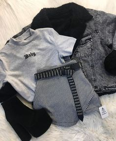 Nuevos ingresosssssss Nuevos ingresosssssss Source by edgy Source by WomenClothesFashionus Fashion outfits Girls Fashion Clothes, Teen Fashion Outfits, Edgy Outfits, Swag Outfits, Retro Outfits, Cute Casual Outfits, Fall Outfits, Emo Fashion, Young Fashion