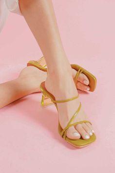 1 Glass Heels, Shoes, Fashion, Moda, Shoe, Shoes Outlet, Fashion Styles, Fashion Illustrations, Fashion Models