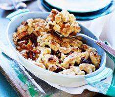 Äppelpaj med pecannötter och kolasås
