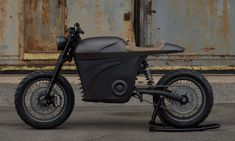 New York startup Tarform set out to design a new breed of electric motorcycles by uniting it with technology of today to create a new riding experience. And they are doing that through beautiful and innovative design, and building some of the most sp Motorcycle Men, Motorcycle Design, Motorcycle Jackets, Motorcycle Quotes, Concept Motorcycles, Kawasaki Motorcycles, Triumph Motorcycles, Custom Motorcycles, Custom Bikes