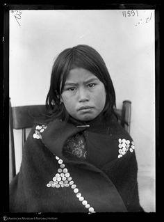 Kwakwaka'wakw (Kwakiutl) girl, Vancouver, [1894-1895]