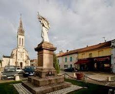 Sketches and vignettes from la Dordogne: V Day Commemoration