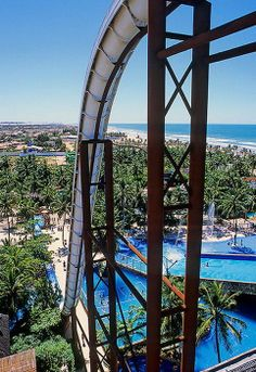 Russian roller coaster is just a baby slide comparing to this highest in the world water-slide! Places Around The World, Around The Worlds, Macau Travel, World Water, Summer Bucket Lists, Water Slides, The Good Place, Travel Inspiration, Brazil