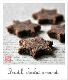Bredele chocolat-amandes (sans cuisson) Raw Vegan Recipes, Gluten Free Recipes, Gluten Free Muffins, Biscuit Cookies, French Pastries, Cooking Tips, Treats, Chocolate, Desserts
