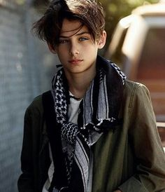 William Franklyn-Miller (New Paradox Beautiful Children, Beautiful Boys, Beautiful People, William Franklyn Miller, Cute Teenage Boys, Boy Models, Stylish Boys, Boy Hairstyles, Handsome Boys