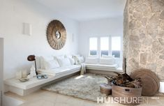 Looking for a house or villa in Ibiza? Take a look at our wide range of houses or let us find your deam villa. Spacious Living Room, Interior, Summer Home Decor, House Styles, Home Decor, Built In Sofa, House Interior, Ibiza Style Interior, Interior Design