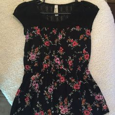 Floral top Floral top dressy, small from Pacsun PacSun Tops Blouses