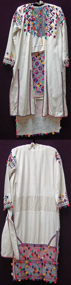 Three embroidered garments from the traditional female costume of Nebiköy (15 km NE of Tokat city): the 'göğüslük (breast cover), the 'iç saya' (long shirt) and the 'dış saya' (outer robe with three panels).  Style: 1960s.  Ethnic group: Alevi Türkmen.  This festive costume was still in use in the early 2000s.   (Kavak Folklor Ekibi & Costume Collection-Antwerpen/Belgium). 1960s Costumes, Afghan Dresses, Costume Collection, Folk Costume, Ethnic Fashion, Costumes For Women, Fashion History, Traditional Outfits, Kaftan
