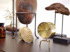 Relógio de mesa de latão TRIPOD CLOCK Coleção Desk Clocks by Vitra design George Nelson