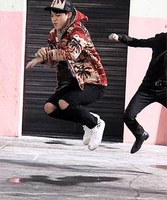 Jimin dancing is just.ughhh so amazing to watch Bts Bangtan Boy, Bts Jimin, Seokjin, Namjoon, Taehyung, Mochi, Kpop, Shinee, About Bts
