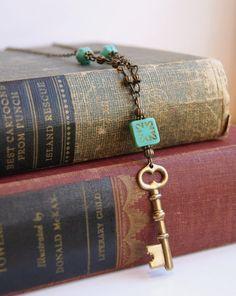 Brass Key Necklace Skeleton Key Necklace Czech Glass Necklace Antiqued Brass Streampunk Key Skeleton Key Jewelry Starburst