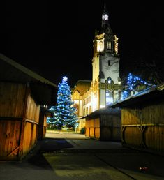 Before Christmas in my city, downtown - Facade of the Town Hall in Zsolnay style, Kiskunfélegyháza, Hungary, Nikon Coolpix L310, 6.2mm, 1s, ISO80, f/3.3, panorama mode: segment 2, HDR photography, 201712030722