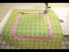 How to Sew Ric Rac to a Quilt or Fabric by Jill Finley of Jillily Studio - Fat Quarter Shop - YouTube