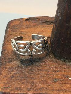 Sterling Silver Toe Ring SZ 5 Celtic Style Open work Design Sterling Silver Toe Rings, Midi Rings, Best Wear, Statement Rings, Violin, Celtic, Bracelets, Etsy, Vintage