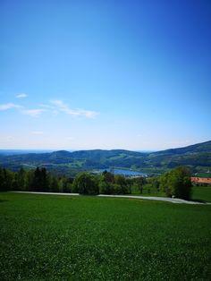 Der wärmste Badesee Österreichs in Stubenberg am See ist ein Erlebnis für die ganze Familie. #oststeiermark #oststeiermarktourismus #stubenbergsee Golf Courses, Mountains, Nature, Travel, Road Trip Destinations, Vacations, Traveling, Naturaleza, Voyage