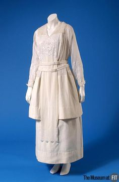 Afternoon Dress, circa 1915,  United States,  via Museum at FIT. Edwardian Clothing, Edwardian Dress, Antique Clothing, Edwardian Fashion, Historical Clothing, Vintage Fashion, Edwardian Era, Historical Dress, Medieval Fashion