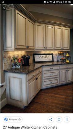 Glazed kitchen cabinets Glazed Kitchen Cabinets, Rustic Kitchen Cabinets, Kitchen Cabinet Design, Painting Kitchen Cabinets, Kitchen Paint, Kitchen Redo, Kitchen Countertops, New Kitchen, Kitchen Ideas