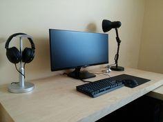 New setup! Best Gaming Setup, Gaming Room Setup, Computer Setup, Pc Setup, Desk Setup, Gamer Setup, Watercooling Pc, Desk Styling, Desk Inspiration