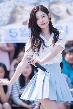 Kpop Girl Groups, Korean Girl Groups, Kpop Girls, Jung Chaeyeon, Cute Asian Girls, Beautiful Asian Women, Girls Dream, Ulzzang Girl, South Korean Girls