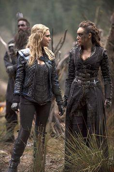 The 100 CW - E2x14 Bodyguard of Lies - Commander Lexa, Clarke Griffin - Eliza Taylor, Alycia Debnam Carey #The100