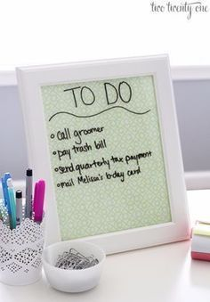 DIY Teen Room Decor Ideas for Girls | Dry Erase Board and Desktop Tray | Cool Bedroom Decor, Wall Art & Signs, Crafts, Bedding, Fun Do It Yourself Projects and Room Ideas for Small Spaces http://diyprojectsforteens.com/diy-teen-bedroom-ideas-girls-rooms #BeddingIdeasForTeenGirls