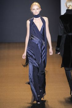 J. Mendel Fall 2011 Ready-to-Wear Collection Photos - Vogue