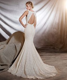 1000 images about pronovias 2017 on pinterest mermaid for Wedding dresses for big hips