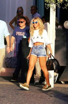 Beyoncé In Miami rocking trainers
