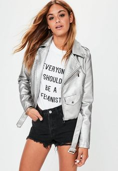 Biker Jacket Outfit, Leather Jacket Outfits, Silver Leather Jacket, Faux Leather Jackets, New Outfits, Trendy Outfits, Drinks Outfits, Jackets Online, Fall Winter Outfits