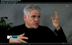 click this link to watch Gary Ross' MTV interview clips with Josh Horowitz: http://www.mtv.com/videos/movies/732371/hunger-games-director-confirms-no-katniss-voice-over.jhtml#id=1678817