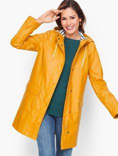 Hunter Rain coat - Rain coat Outfit Classy - Rain coat Street Style Fashion Outfits - Rain coat Kids Boys - Rain coat For Women Northface Stylish Raincoats, Raincoats For Women, Raincoat Outfit, Hooded Raincoat, Dog Raincoat, Yellow Coat, Yellow Raincoat, Classic Style Women, Modern Classic