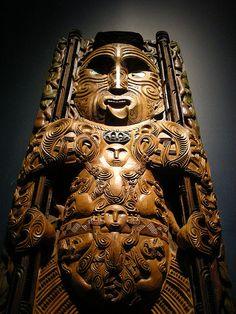 - Maori sculpture at the Te Papa museum, Wellington Nueva Zelanda -