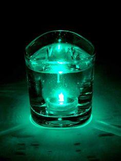 LED lichtje, groen, kan onder water inclusief batterij €3,45