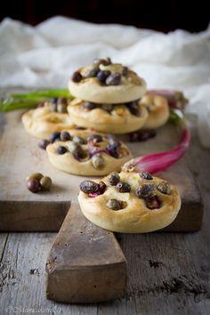 La ricetta delle focaccine morbide e soffici ideali per la merenda e che si mantengono soffici per 2 giorni.  Soft focaccia