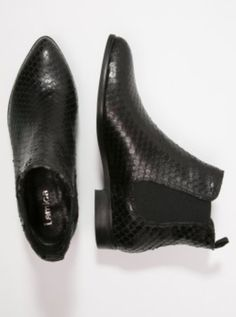 Snake slin Chelsea boots by lagmy.